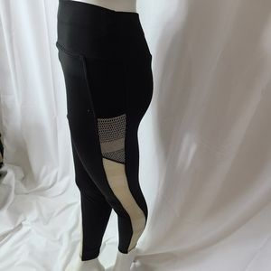 Pop Fit legging with mesh inserts cell pockets